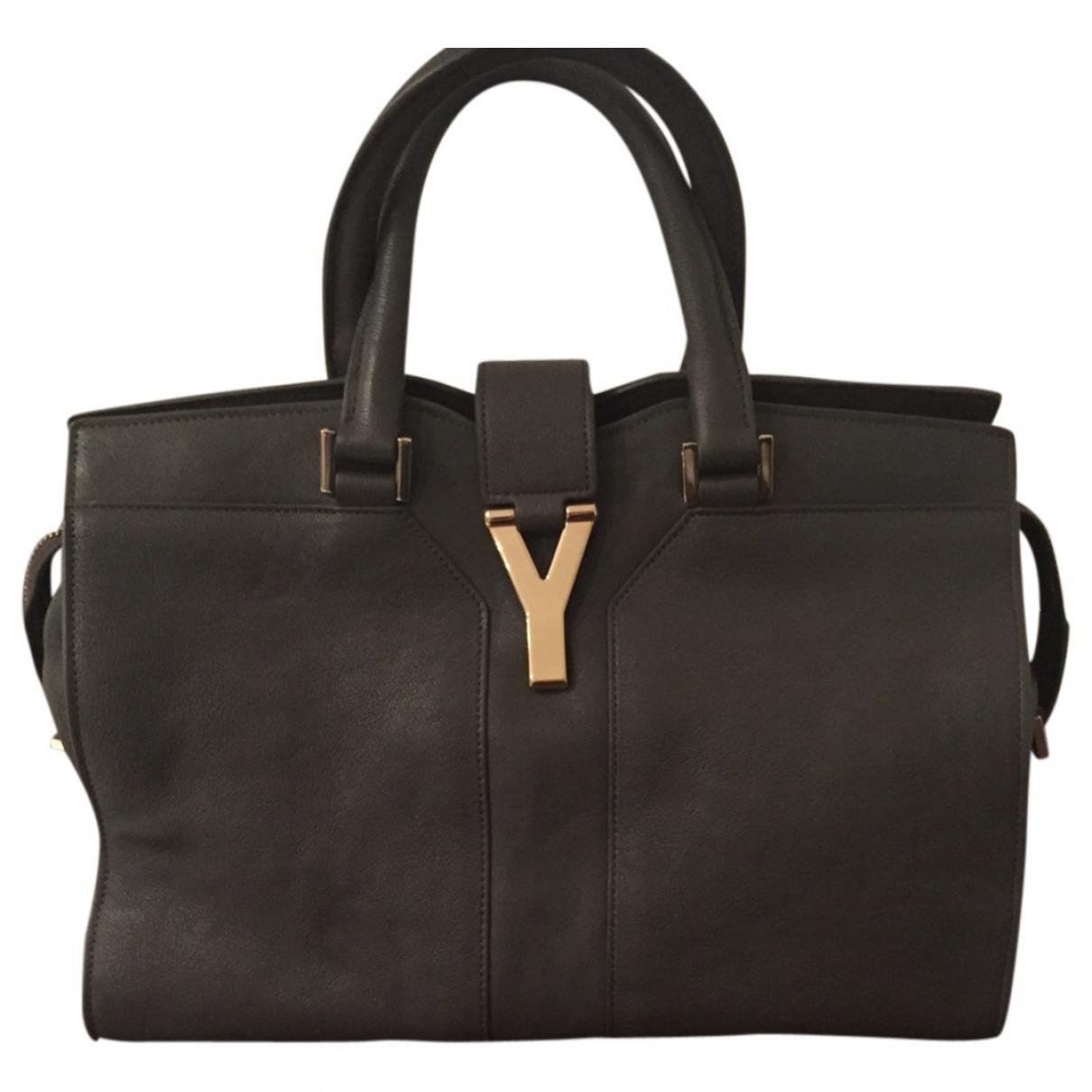 Yves Saint Laurent Chyc Handtasche in  Grau Leder