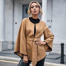 Mantel mit Kontrast Bindung und Guertel