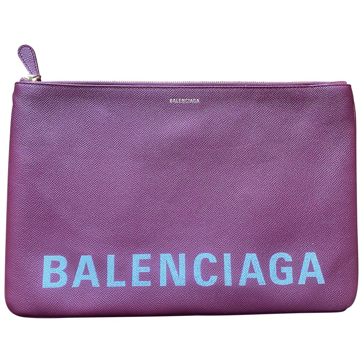 Balenciaga Everyday Clutch in  Bordeauxrot Leder