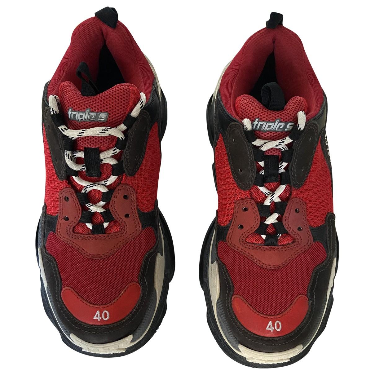 Balenciaga Triple S Sneakers in  Rot Leinen