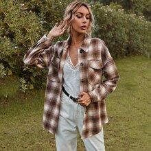 Mantel mit Karo Muster, Taschen vorn und sehr tief angesetzter Schulterpartie