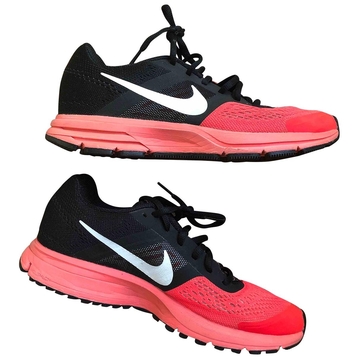Nike - Baskets   pour femme - rouge