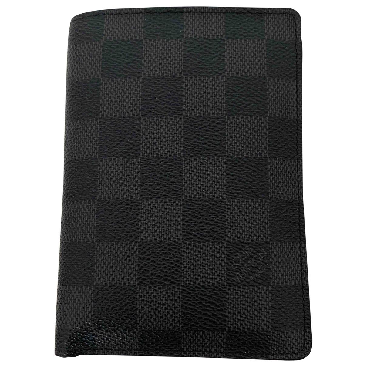 Louis Vuitton - Petite maroquinerie Passport cover pour homme en toile - anthracite