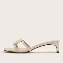 Sandalen mit geometrischem Dekor