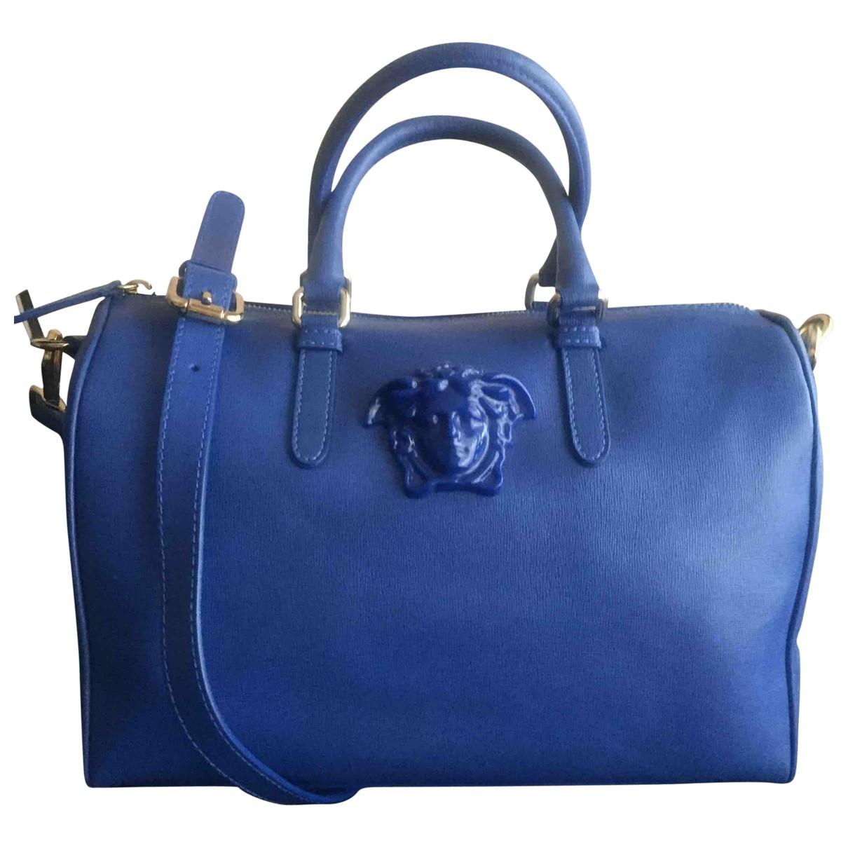 Versace Palazzo Empire Handtasche in  Blau Leder