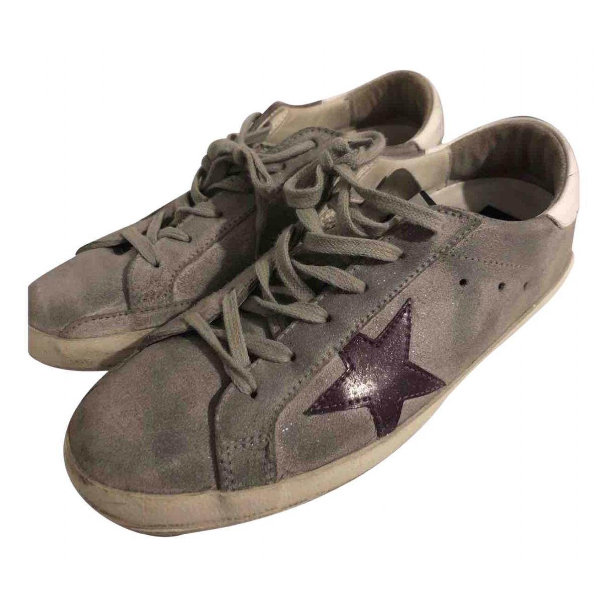 Golden Goose Superstar Sneakers in  Grau Veloursleder