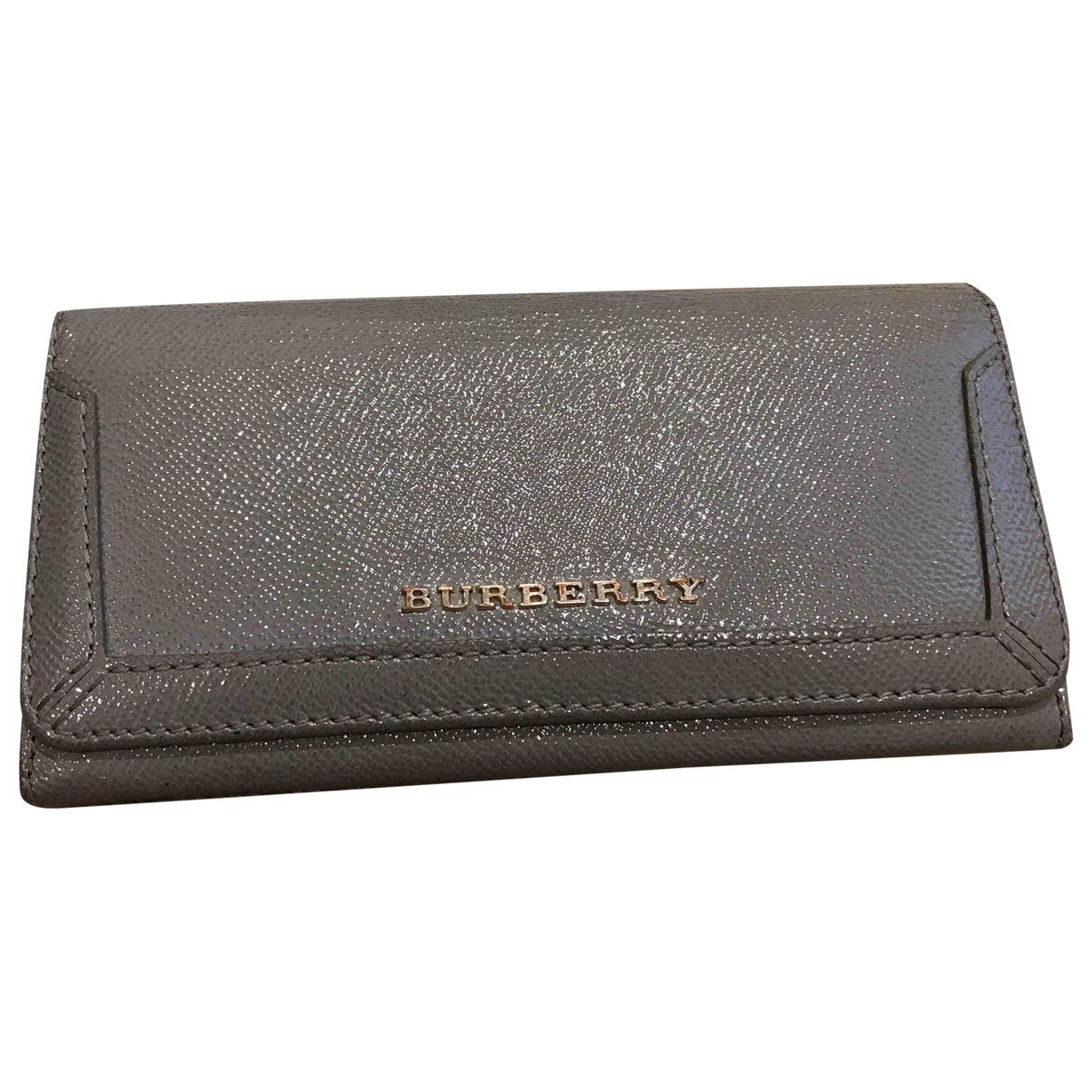 Burberry \N Portemonnaie in Leder