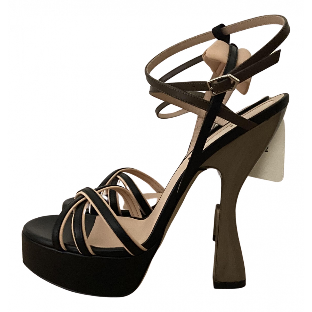 Fendi \N Black Leather Sandals for Women 38 EU