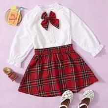 Camisa con lazo delantero con bordado con falda de tartan
