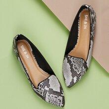 Zapatillas Loafer con estampado de serpiente