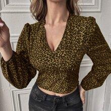 Bluse mit Leopard Muster, geraffter Rueckseite und Bischofaermeln