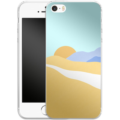 Apple iPhone SE Silikon Handyhuelle - Sunset Beach von Lucy Bohr