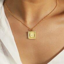Halskette mit Buchstaben Muster