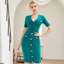 Adyce Figurbetontes Kleid mit Reissverschluss hinten und Knopfen vorn