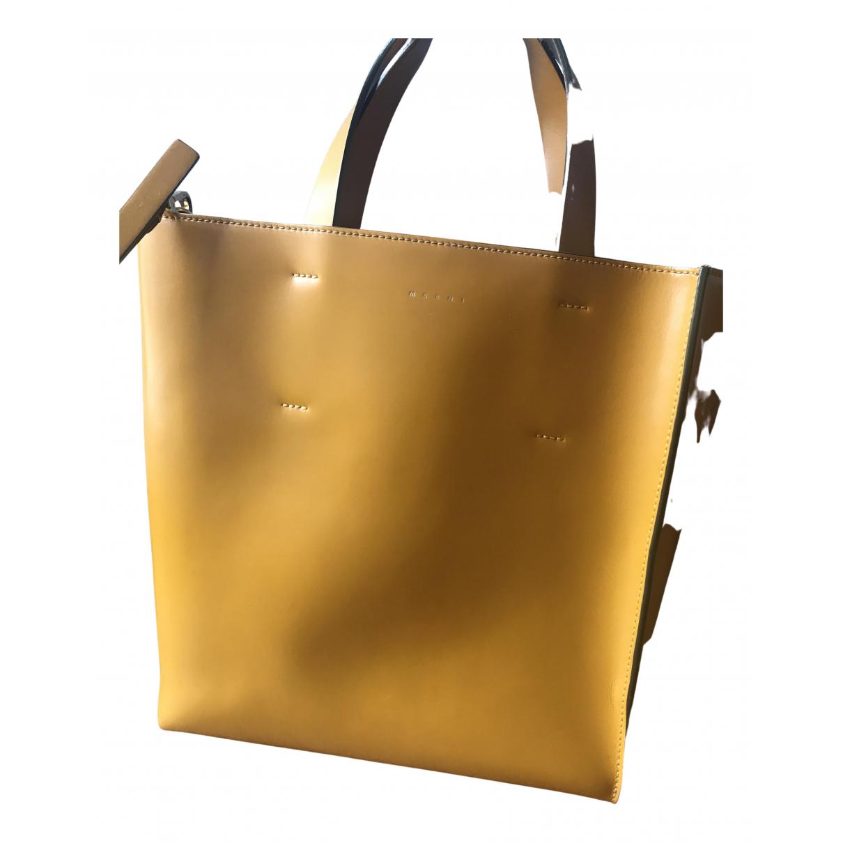 Marni \N Handtasche in  Gelb Leder