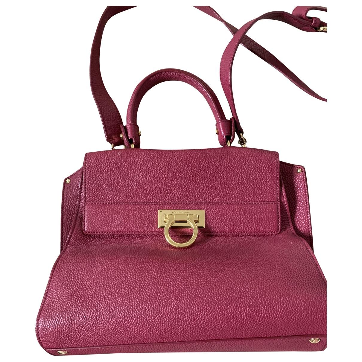 Salvatore Ferragamo \N Handtasche in  Lila Leder