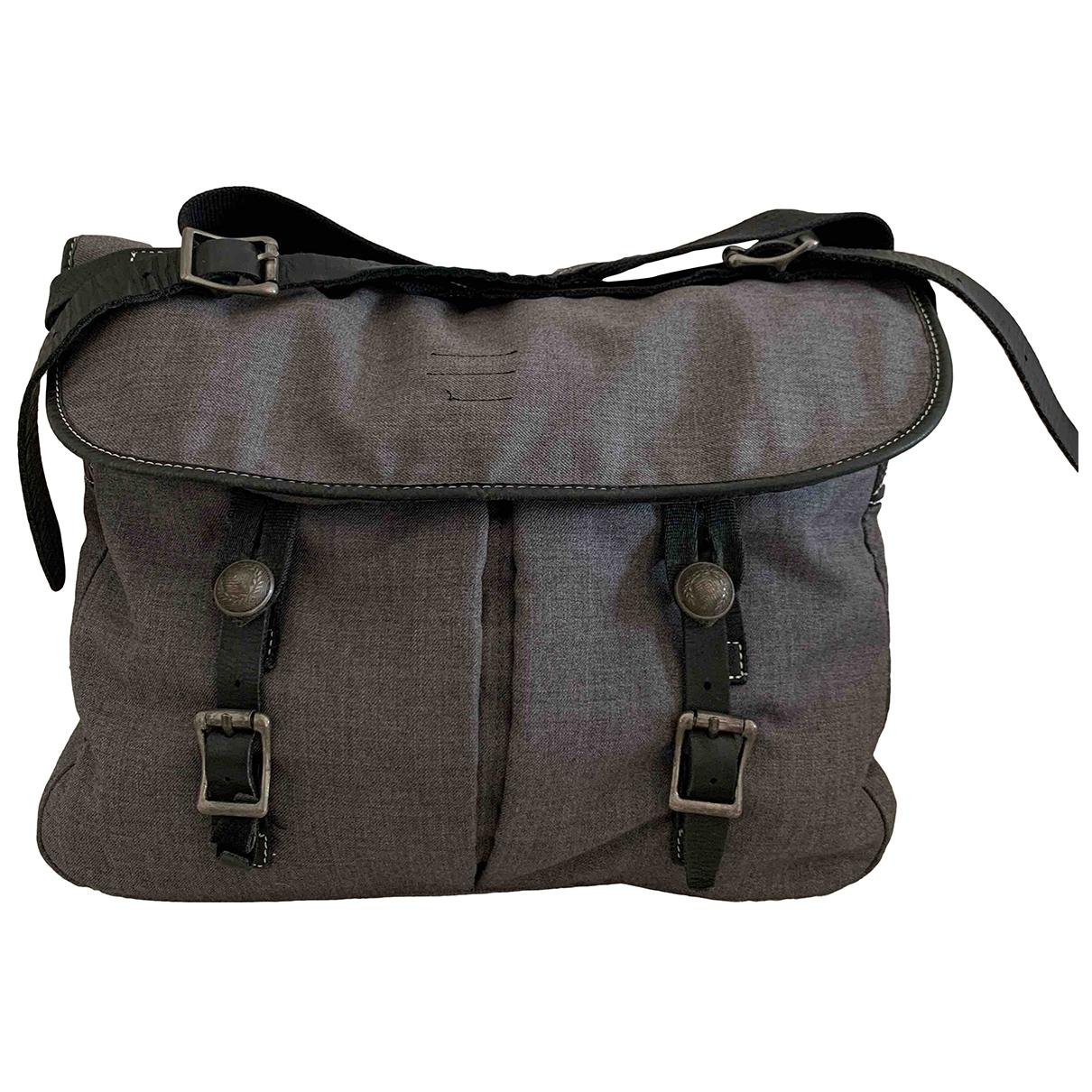 Fred Perry \N Taschen in  Grau Baumwolle