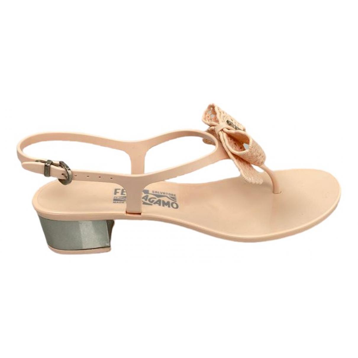 Salvatore Ferragamo \N Beige Sandals for Women 39 EU