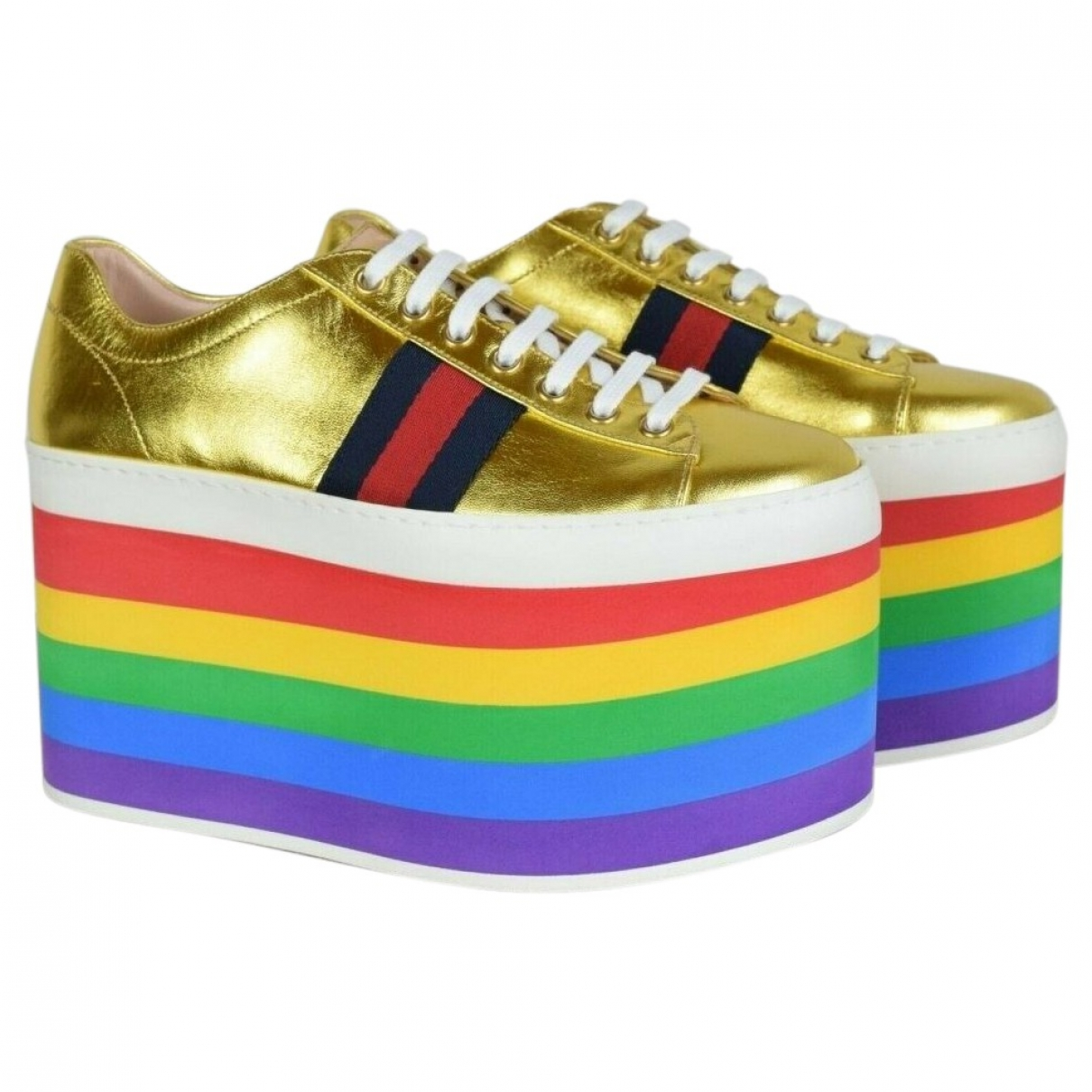 Gucci Peggy Sneakers in  Gold Leder