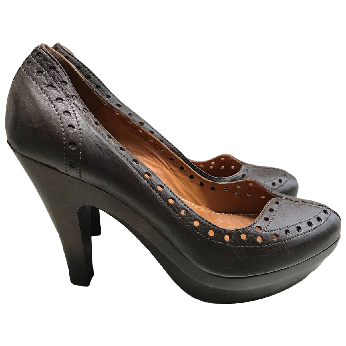 Lanvin \N Pumps in  Braun Leder