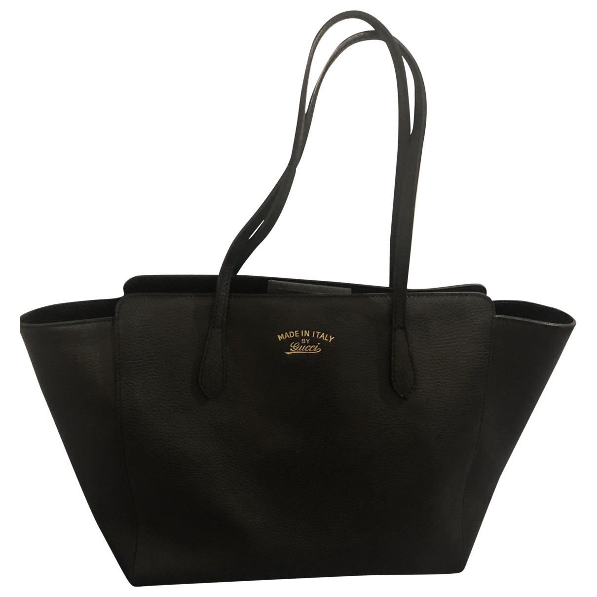 Gucci Swing Handtasche in  Schwarz Leder