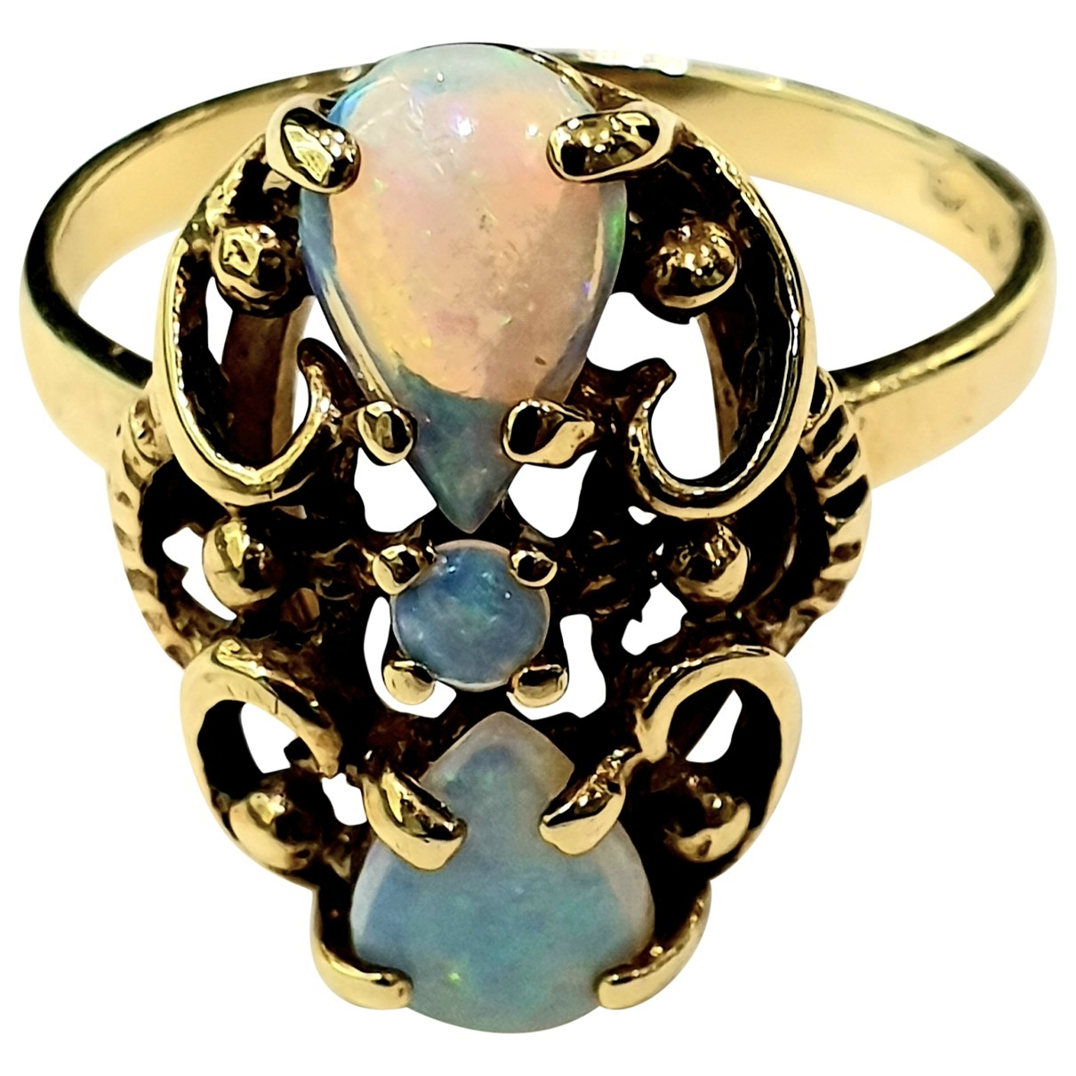 Non Signe / Unsigned Opale Ring in  Gold Gelbgold