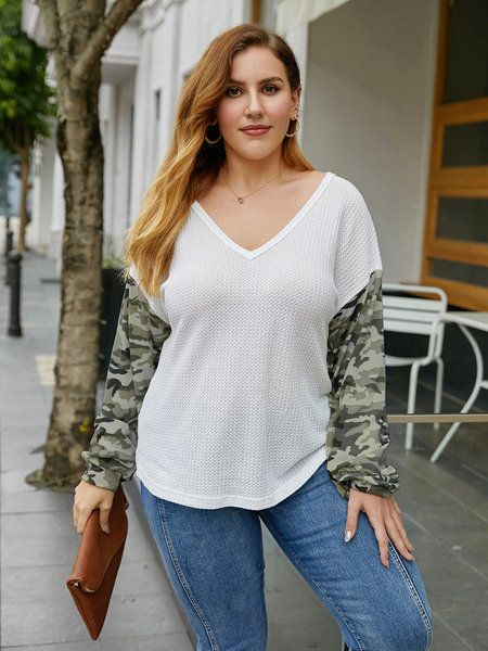 Yoins Plus Size V-neck Camo Patchwork Long Sleeves Tee