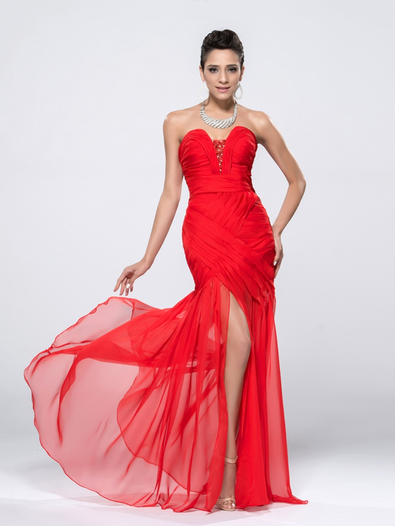 Charming Sheath Sweetheart Crystal Ruched Evening Dress