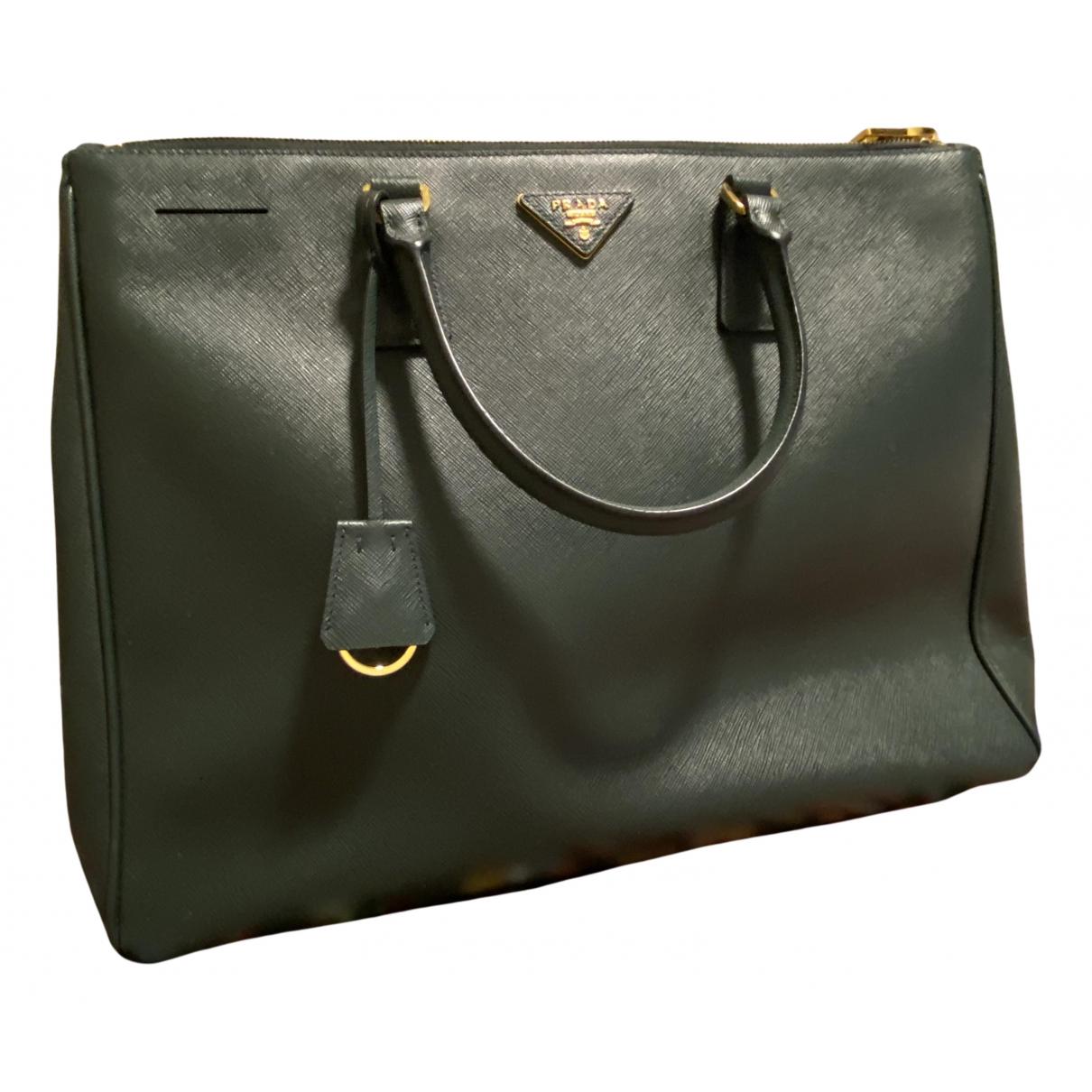 Prada Galleria Handtasche in Lackleder