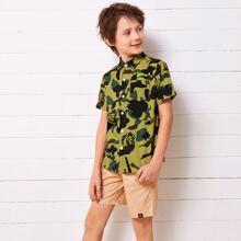 Boys Pocket Detail Camo Shirt & Letter Patched Shorts Set