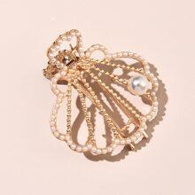 Faux Pearl Shell Design Hair Clip