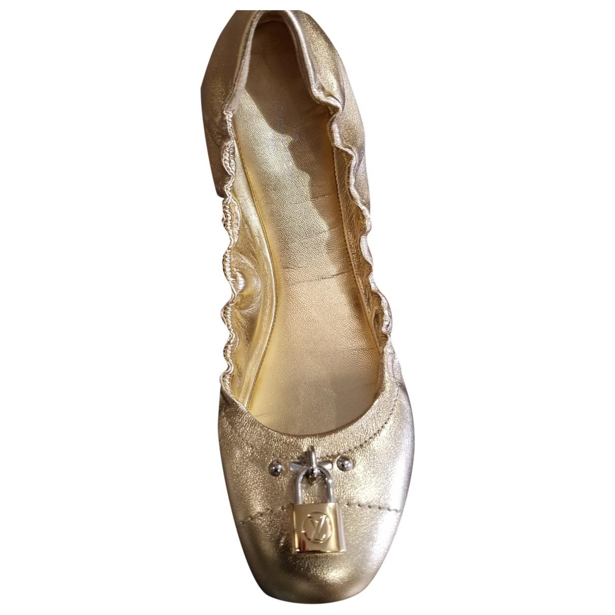 Louis Vuitton \N Ballerinas in  Gold Leder