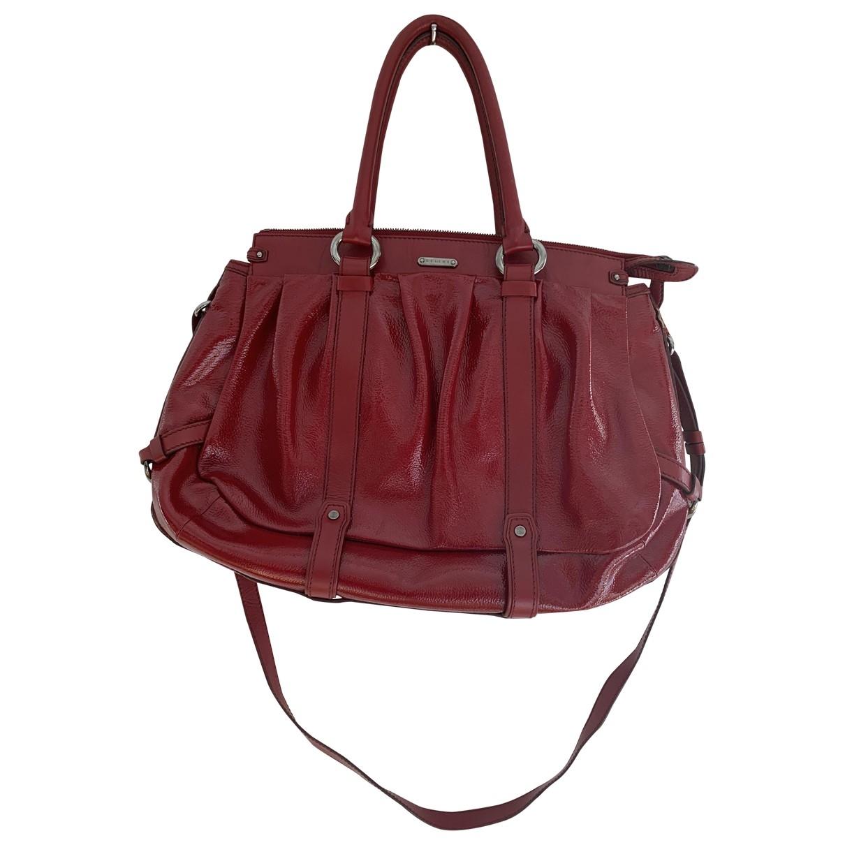 Celine \N Handtasche in  Rot Lackleder