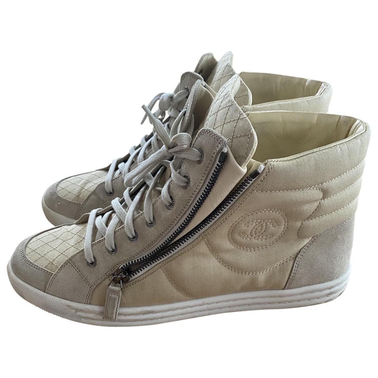 Chanel \N Sneakers in  Beige Leinen
