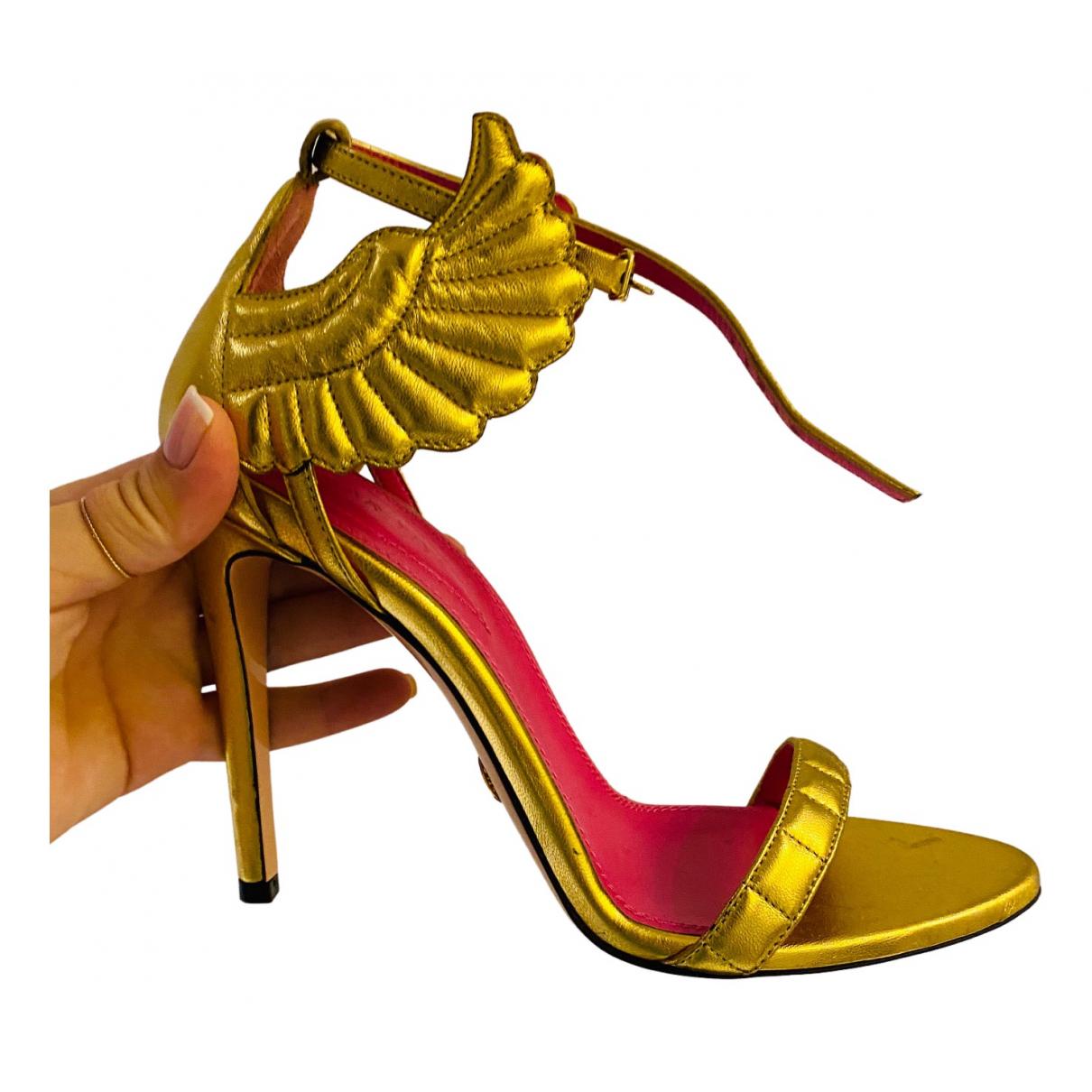 Oscar Tiye \N Sandalen in  Gold Leder