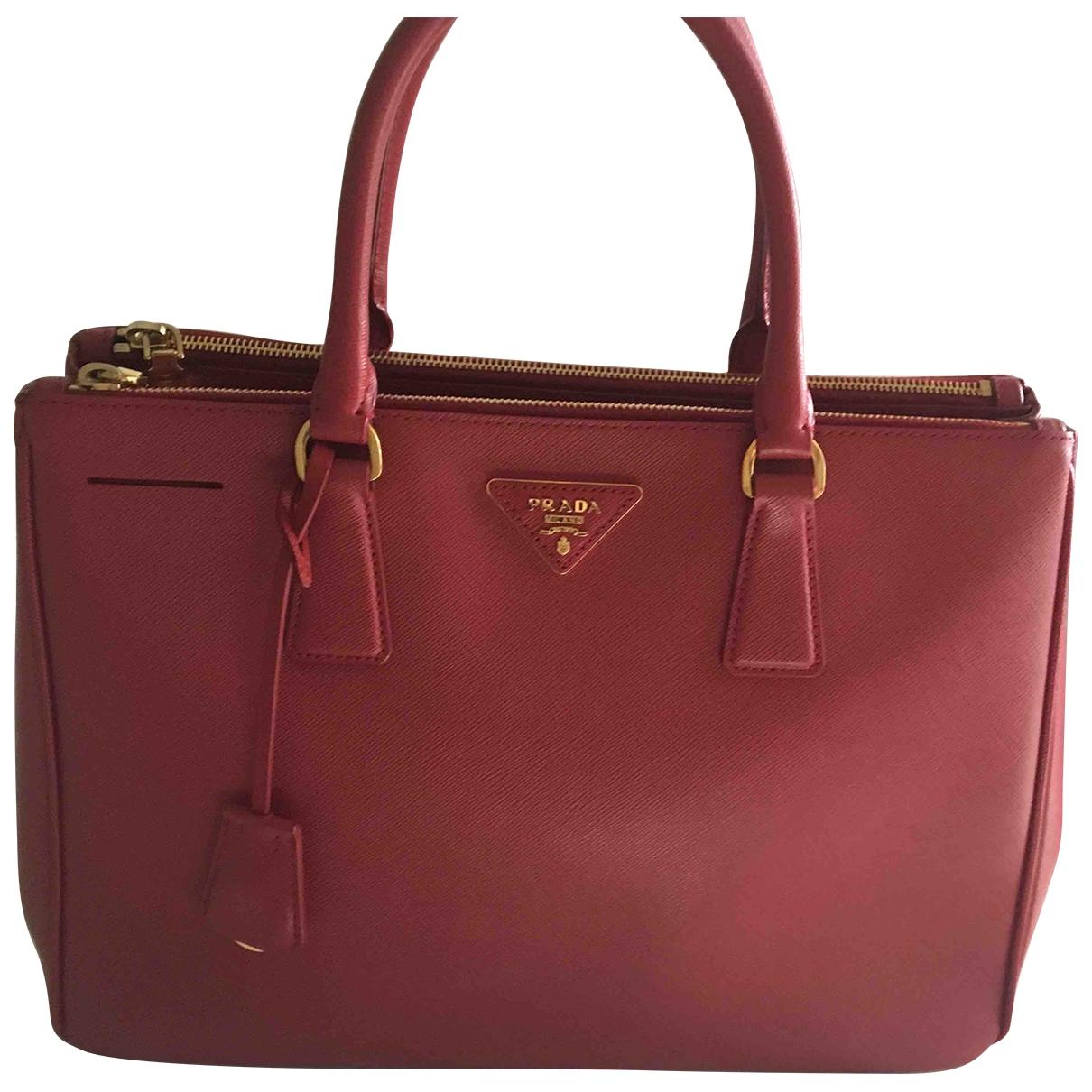 Prada Galleria Red Leather handbag for Women \N