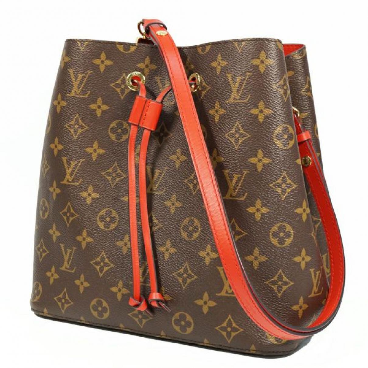 Louis Vuitton \N Red Cloth handbag for Women \N