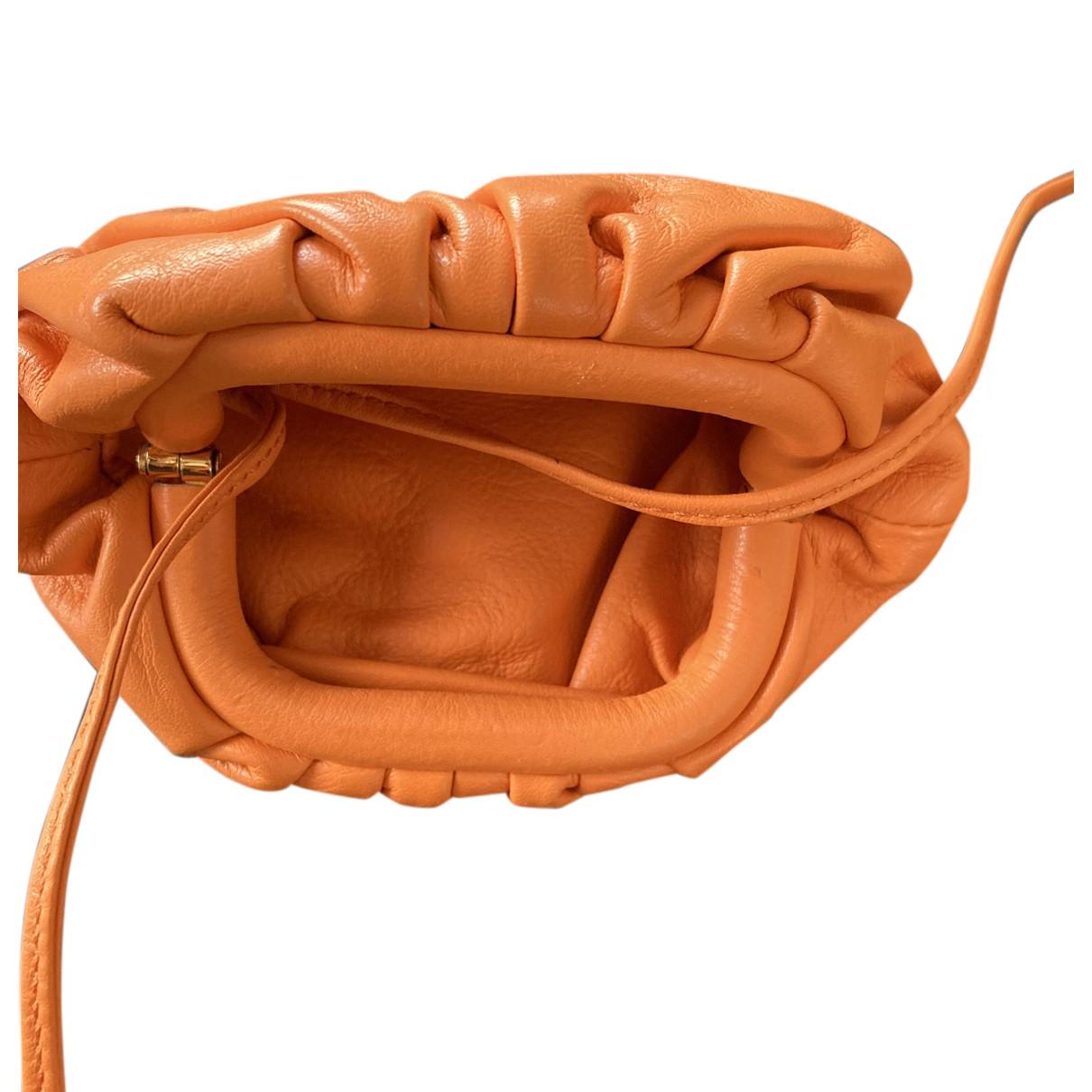 Bottega Veneta Pouch Clutch in  Orange Leder