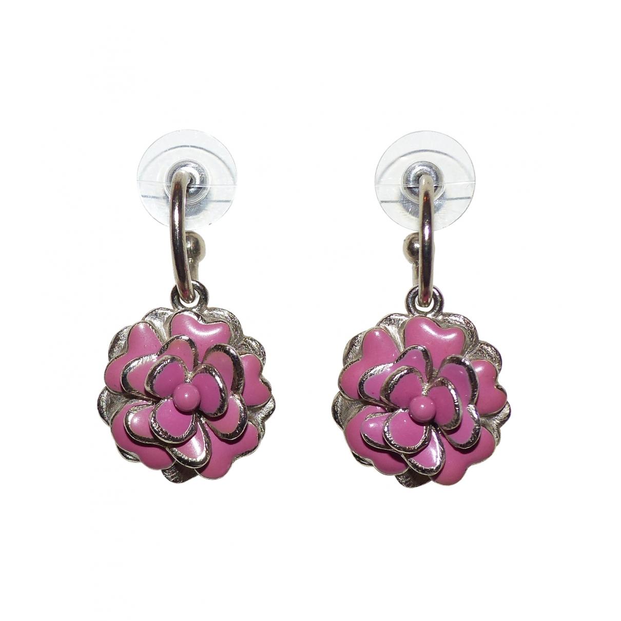 Chanel - Boucles doreilles Camelia pour femme en metal - rose
