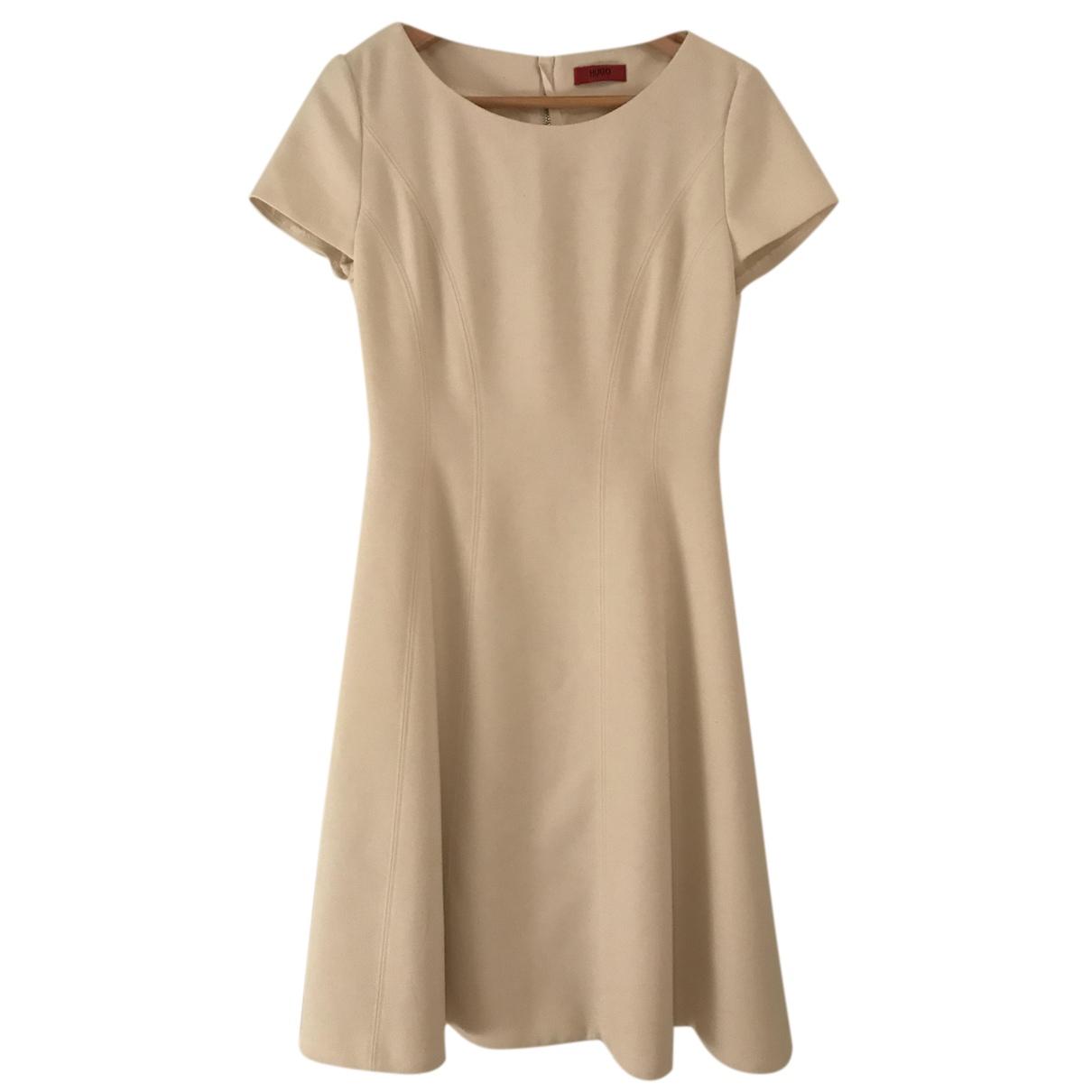 Hugo Boss \N Kleid in  Ecru Polyester