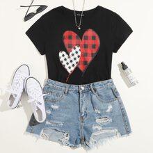 Camiseta de manga corta con estampado de corazon