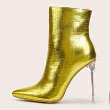 Texturierte Stiefel mit spitzer Zehenpartie