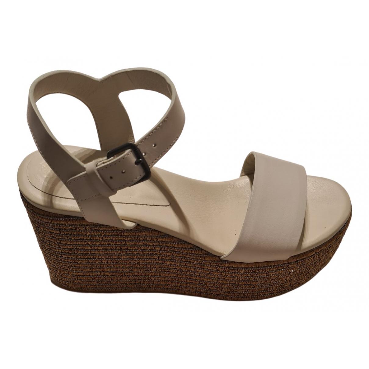 Brunello Cucinelli \N Beige Leather Sandals for Women 35.5 IT