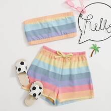 Top mit Regenbogen und Karo Muster und Streifen & Shorts mit Schleife Detail