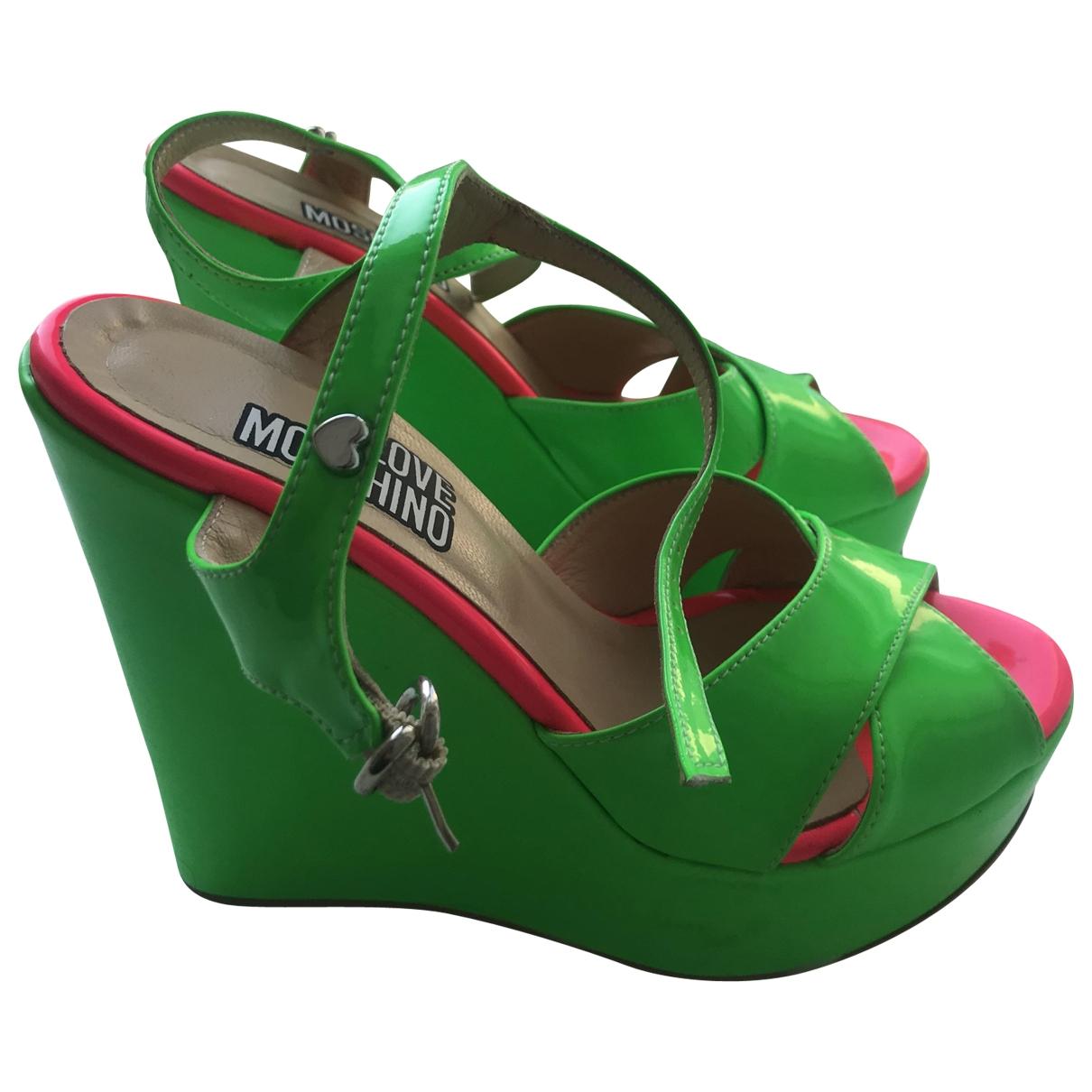 Moschino Love - Sandales   pour femme en cuir verni - vert