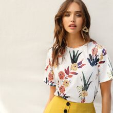 Camiseta con estampado de flor y plantas