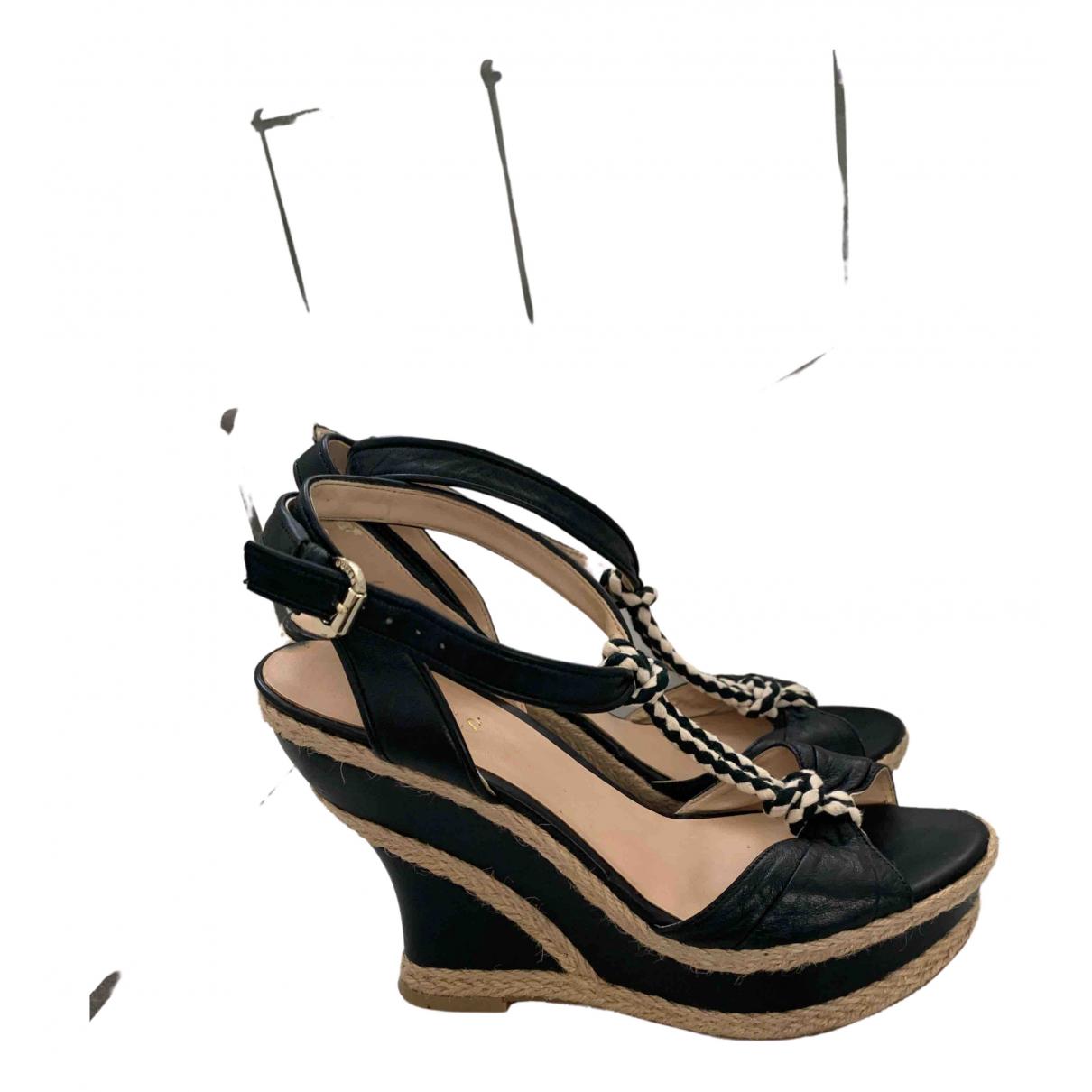 Guess \N Sandalen in  Schwarz Leder