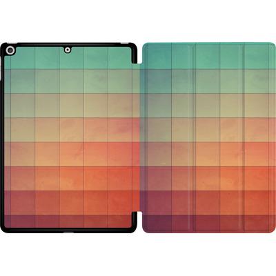 Apple iPad 9.7 (2018) Tablet Smart Case - Cyvyryng von Spires