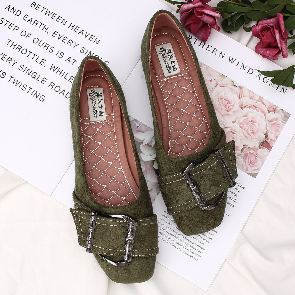 Women Metal Decor Solid Color Slip On Flats Loafers