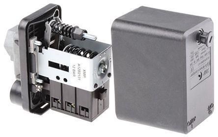 Telemecanique Sensors Differential Pressure Switch, 2 N/C, G1/4 process connection